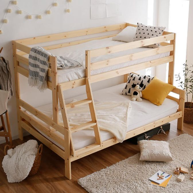 LOWYA「下段がセミダブルの二段ベッド」